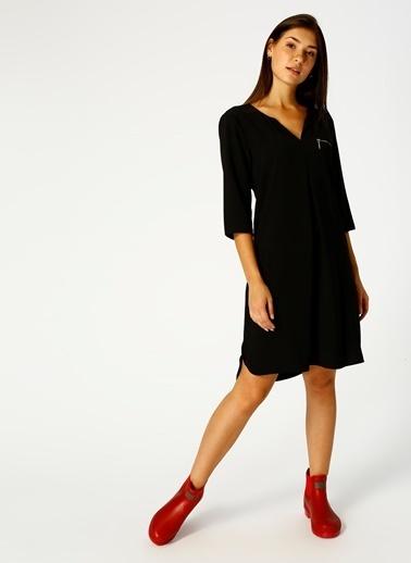 House Of Camellia V Yaka Yarım Kol Elbise Siyah